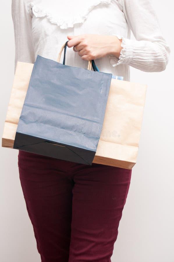 Shopping hänger lös royaltyfri foto