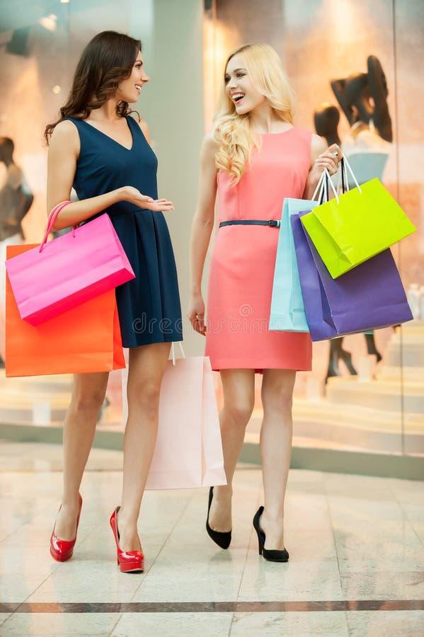 Shopping spree. arkivbilder