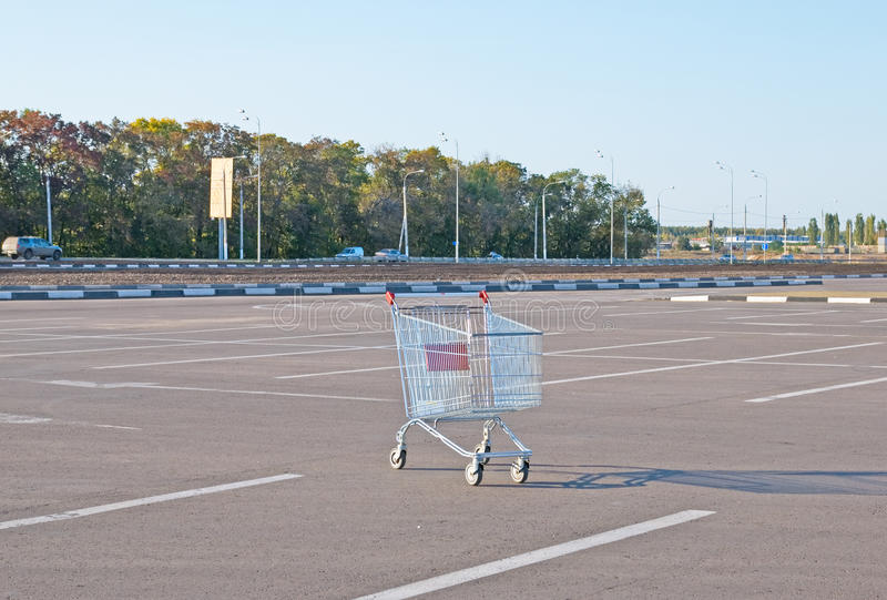 Download Shopping Trolley Royalty Free Stock Images - Image: 21618089