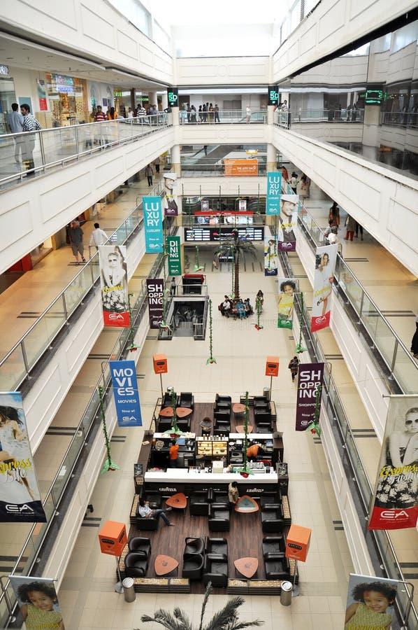 Shoppinggalleria royaltyfri foto