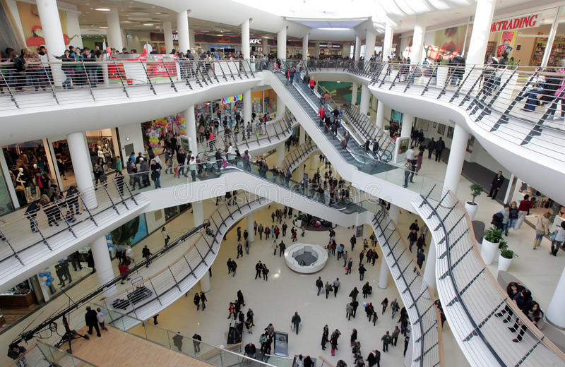 Shoppinggalleria royaltyfri fotografi