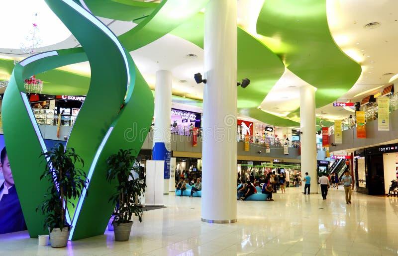 Shoppinggalleria royaltyfria bilder