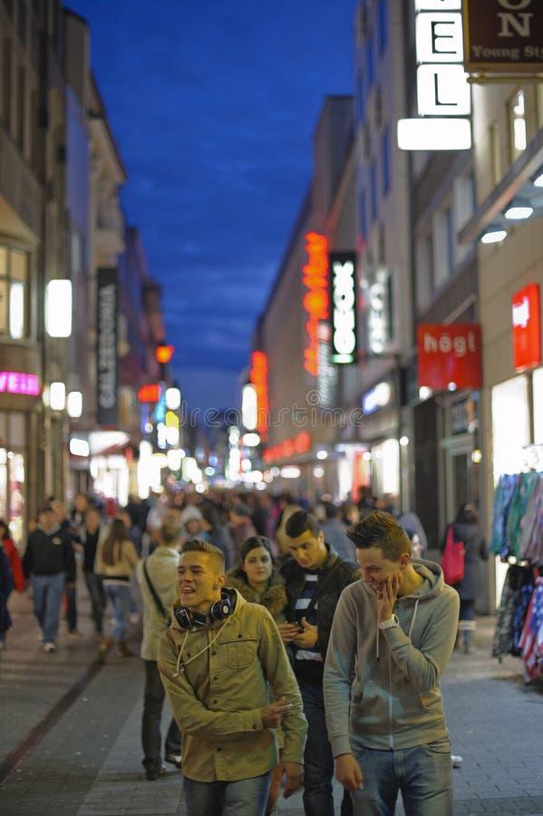 Shoppinggata royaltyfri foto