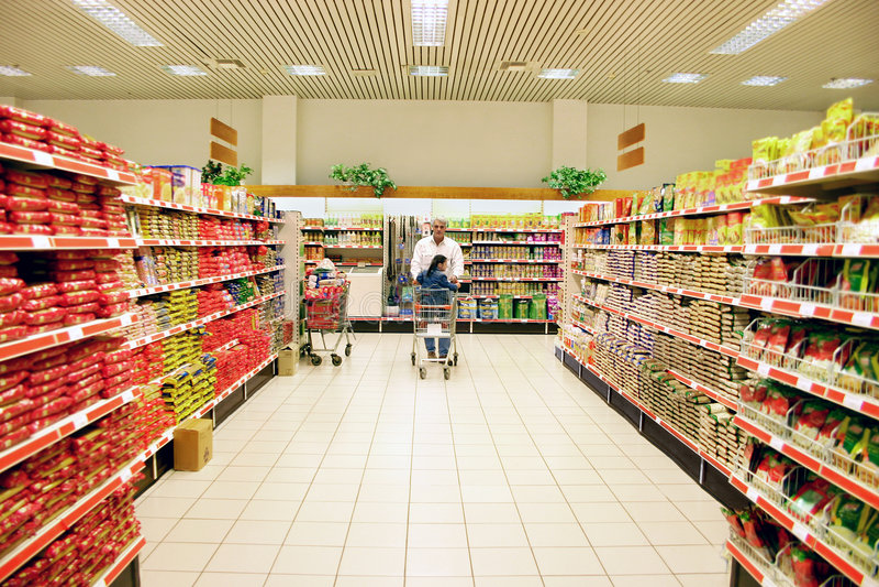 shoppingsupermarket fotografering för bildbyråer