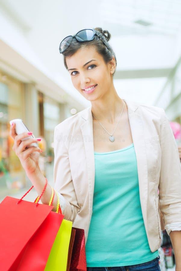 Shoppingtid royaltyfri fotografi