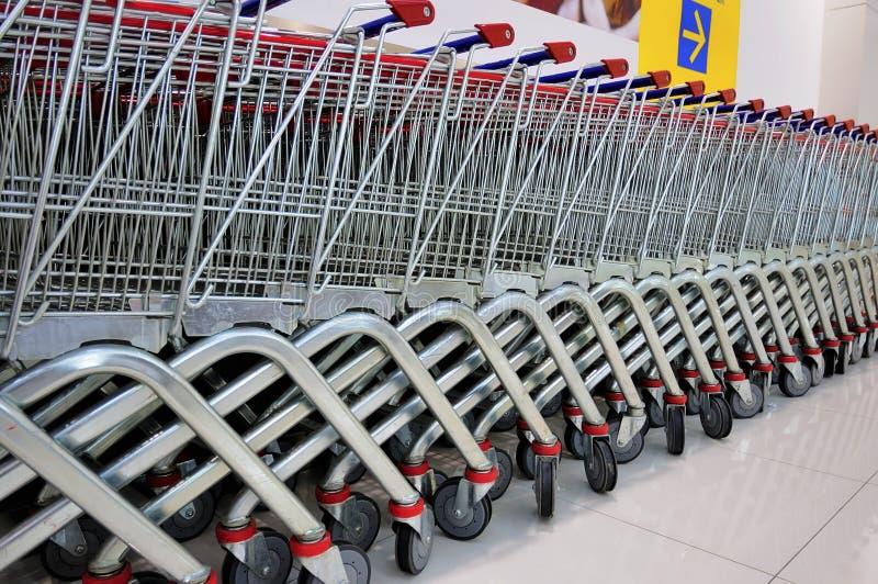 shoppingtrolleys arkivbilder