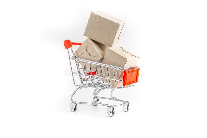 Shoppingvagn och ask som isoleras på vit bakgrund, affär som shoppar begrepp vektor illustrationer