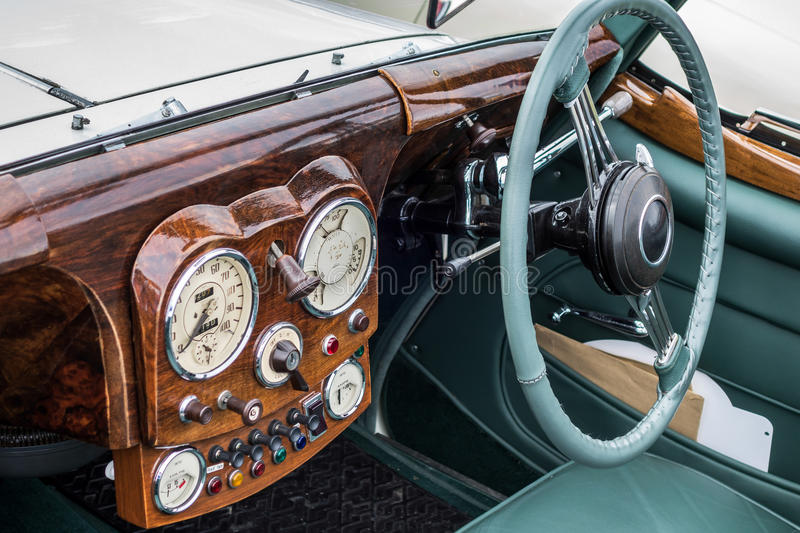 SHOREHAM-BY-SEA, WEST SUSSEX/UK - AUGUST 30 : Triumph Roadster o. N display at Shoreham-by-Sea airfield in West Sussex on August 30, 2014 royalty free stock photos