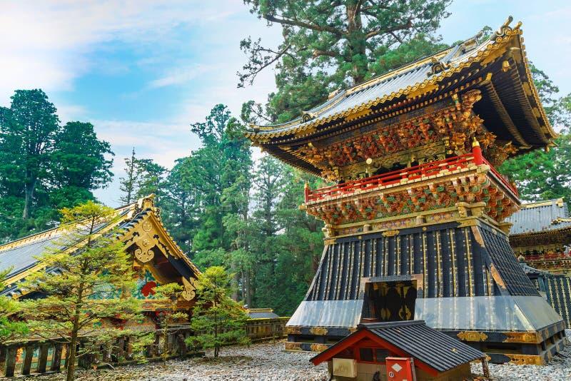 Shoro - en klockstapel på den NIkko Toshogu relikskrin i Japan arkivbilder