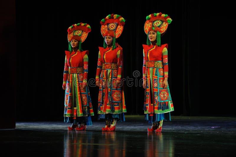  show†сценариев масштаба тибетских костюмов девушк-большое  legend†дороги стоковые изображения rf