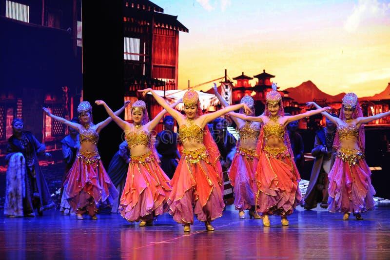  show†сценариев масштаба тибетца радушное танц-большое  legend†дороги стоковые изображения rf