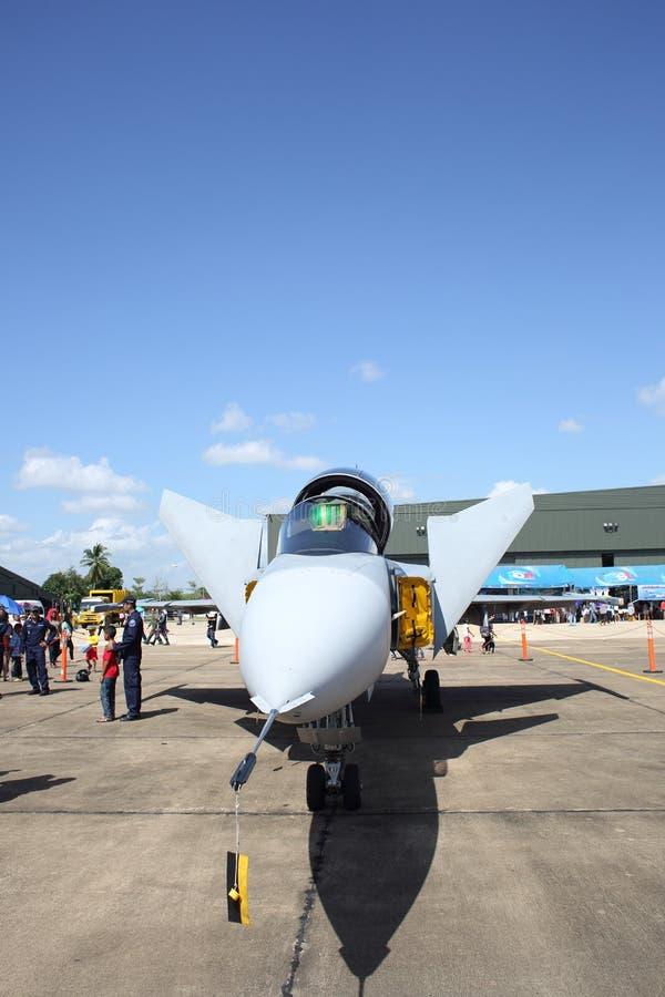 Show för JAS 39 Gripen på flygbasen Wing7 på thailändska barns dag royaltyfri foto