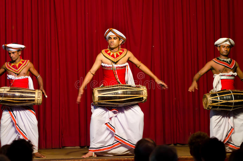 Download Show In Traditional Sri Lankian Theatre Editorial Photography - Image: 23543107
