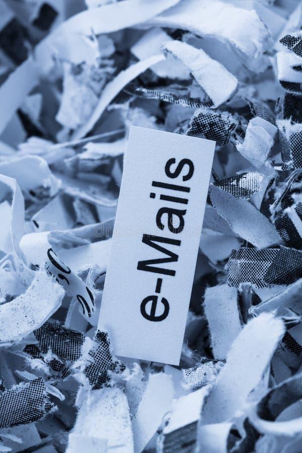 Shredded бумажные электронные почты ключевого слова стоковое фото