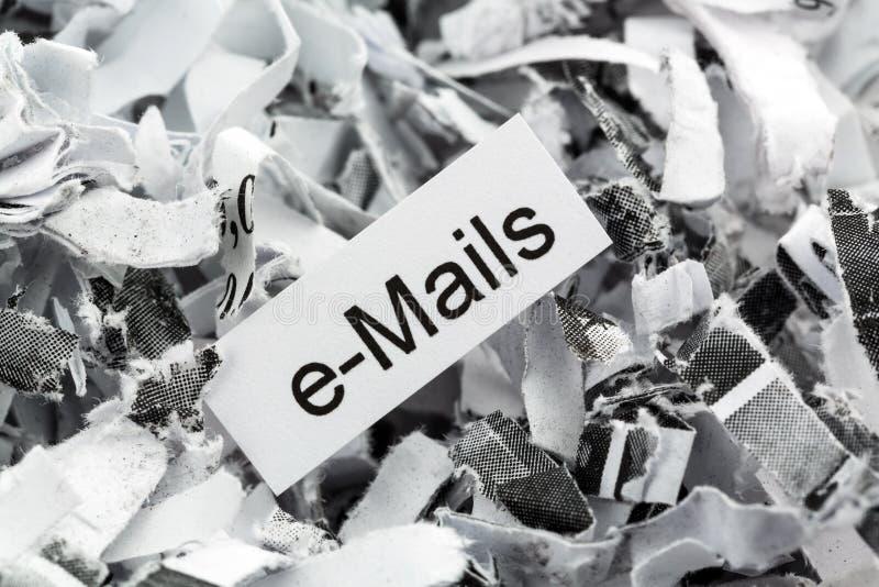 Shredded бумажные электронные почты ключевого слова стоковые фотографии rf
