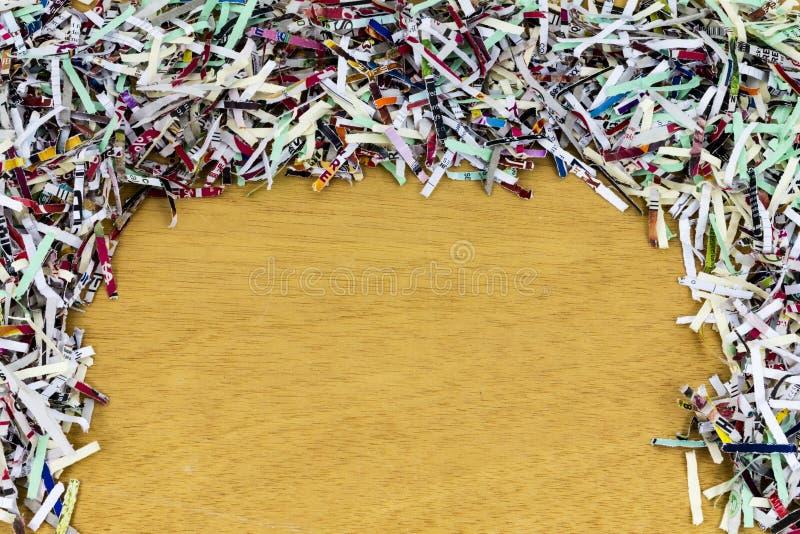 Shredded граница бумаги покрасила космос экземпляра стоковое изображение