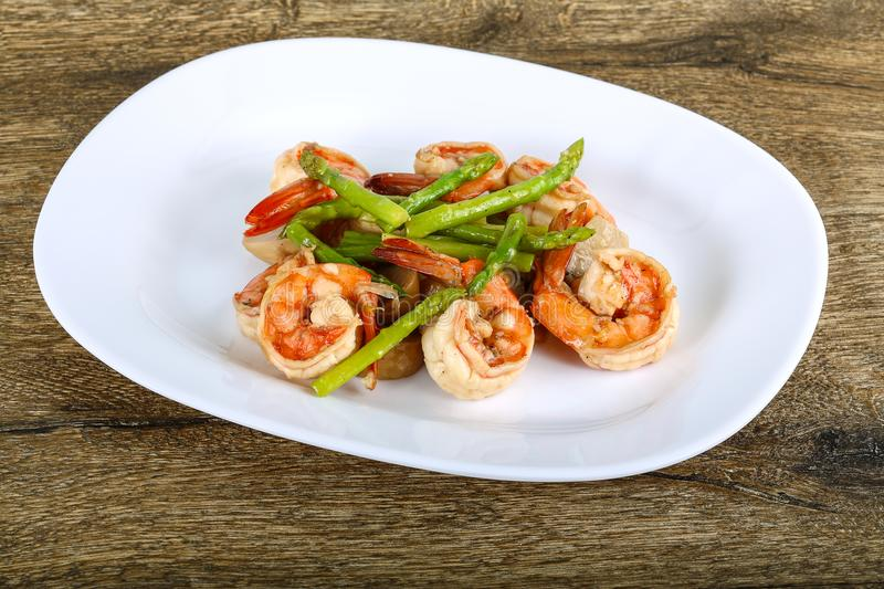 Shrimp and asparagus royalty free stock images