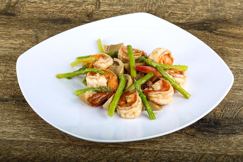 Shrimp and asparagus royalty free stock image