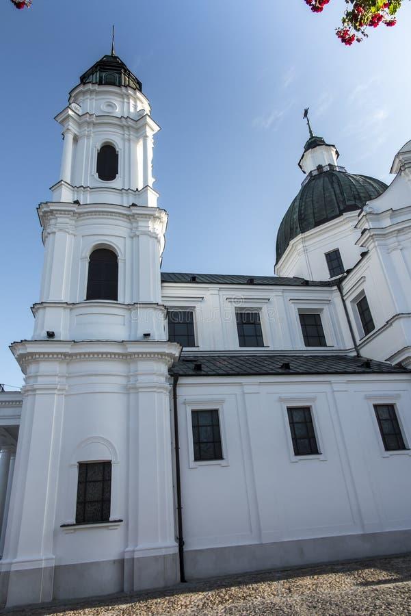 Shrine, de Basilica van de Maagd Maria in Chelm in Oost-Polen stock foto