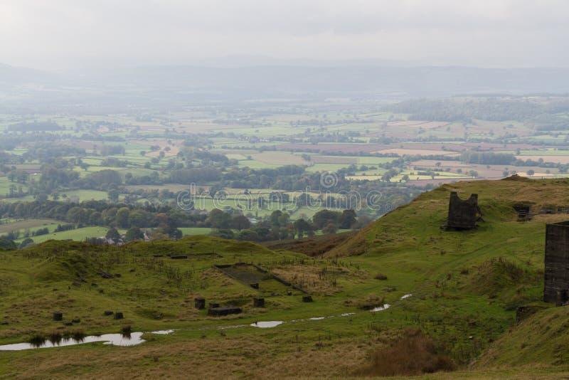 Shropshire-Landschaft im Dunst Feld- und Heckenpatchwork englisch stockbild