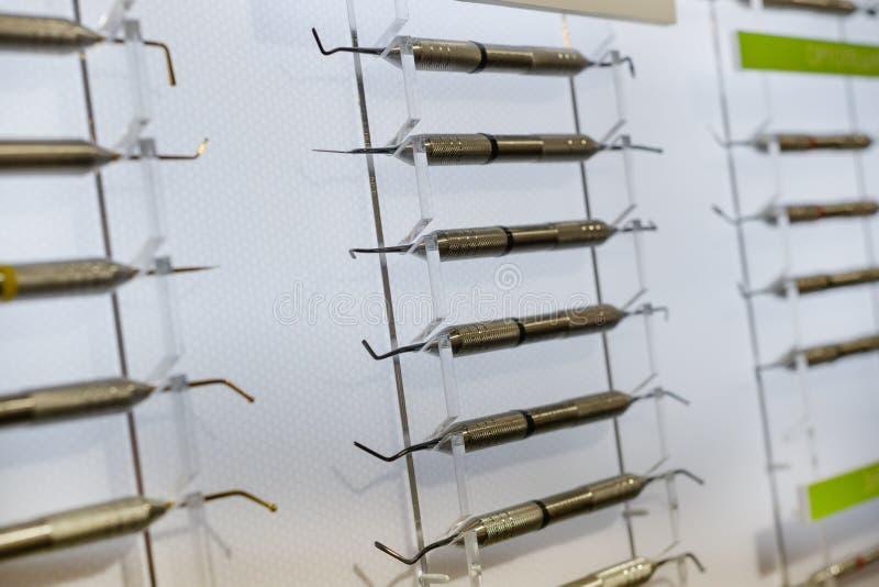 Shtpfer-ironer, zahnmedizinisches Instrument lizenzfreie stockfotografie