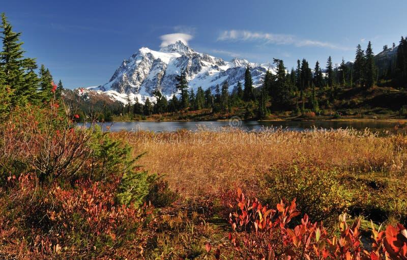 shuksan góra jeziorny obrazek zdjęcie royalty free
