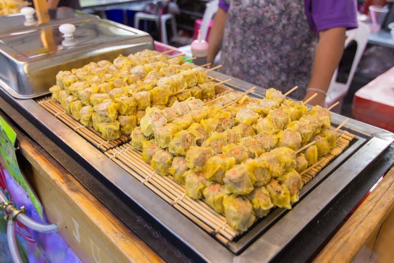 Shumai στα τρόφιμα οδών, κινεζική μπουλέττα στοκ φωτογραφία