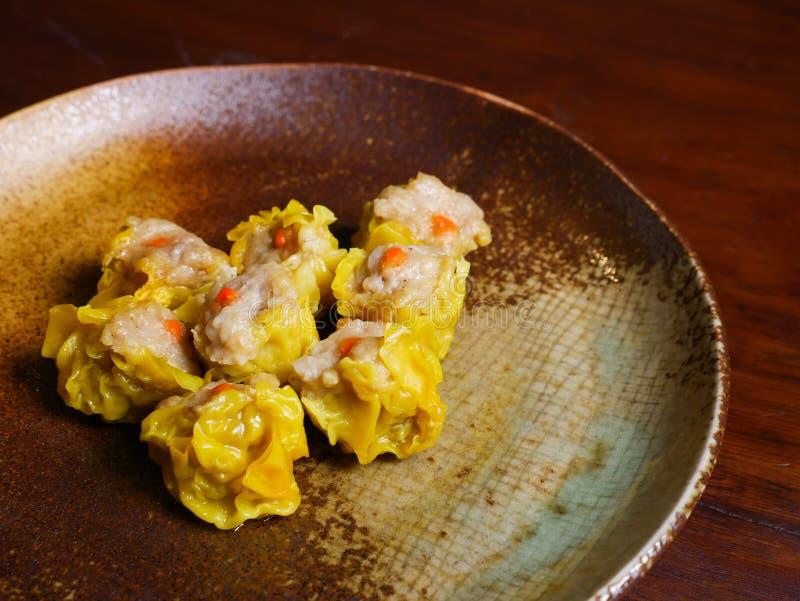 Shumai um alimento chinês das bolinhas de massa de Dim Sum imagem de stock