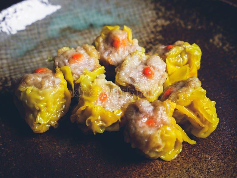 Shumai una comida china de las bolas de masa hervida de Dim Sum imagenes de archivo