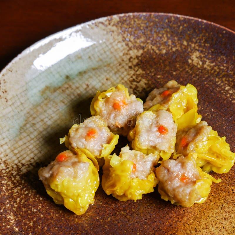 Shumai una comida china de las bolas de masa hervida de Dim Sum imagen de archivo