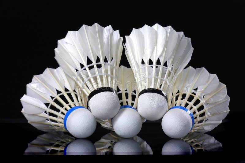 Shuttlecock e badminton fotos de stock