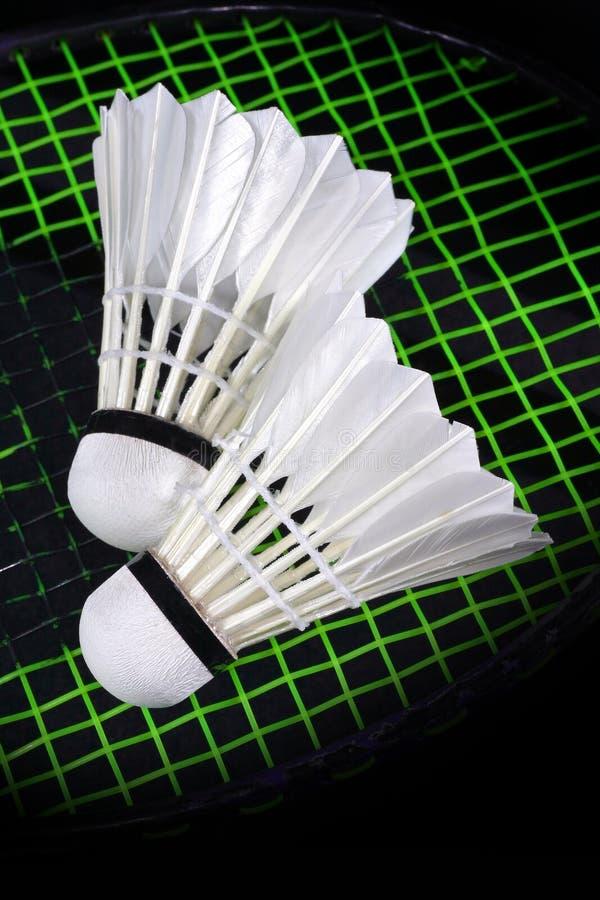 Shuttlecock e badminton foto de stock royalty free