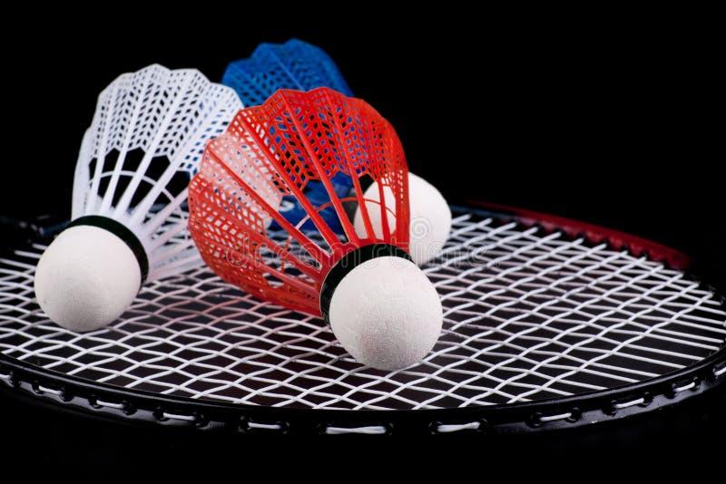 Shuttlecock e raquete de badminton foto de stock royalty free