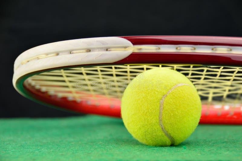 shuttlecock för racket för badmintonboll guld- arkivfoto
