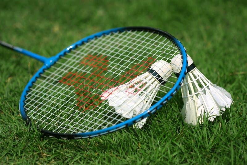 Shuttlecock und Badminton lizenzfreies stockbild