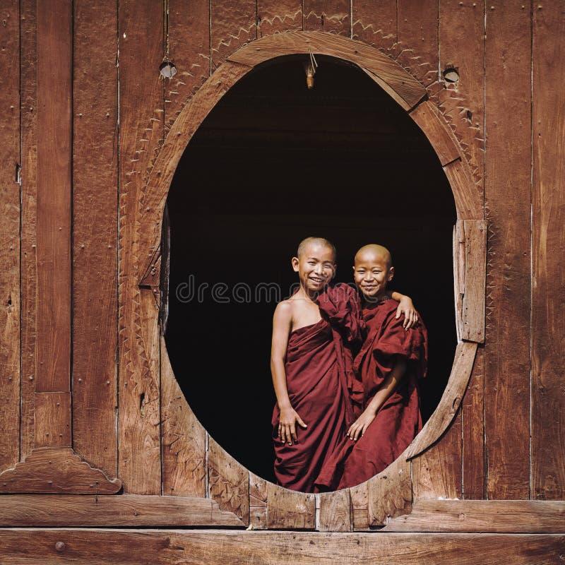 Shwe严Pyay修道院的, Nyaung Shwe,缅甸新手和尚 图库摄影