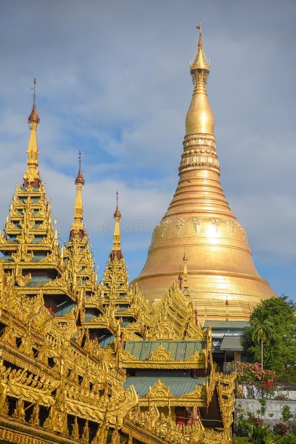 Shwedagon塔,仰光,缅甸地标  免版税库存图片