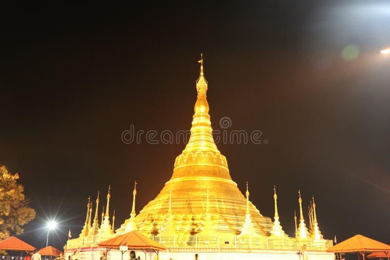 Shwedagon świątynia Symuluje zdjęcia stock