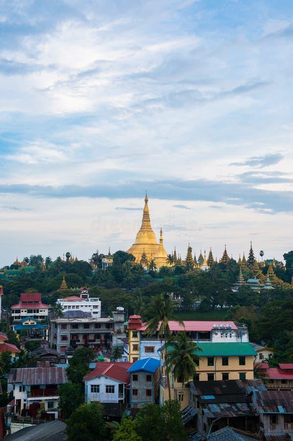 Download Shwedagon En La Ciudad Myanmar De Rangún Imagen de archivo - Imagen de pagoda, configuración: 44852655