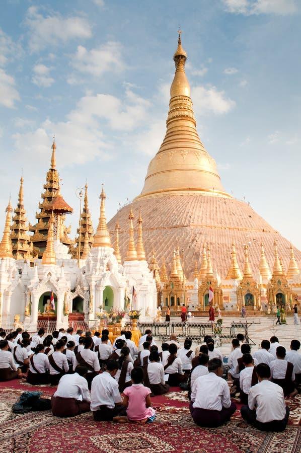 shwedagon pagoda стоковая фотография rf