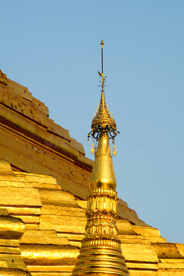 Download Shwedagon Pagoda stock image. Image of burma, stupa, ochre - 37725175