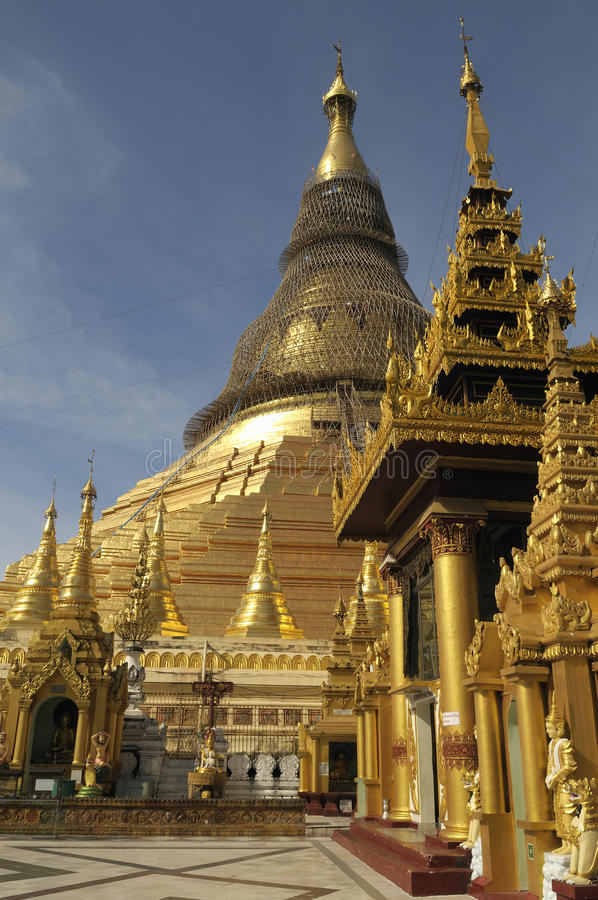 Shwedagon Pagode 1 stockbilder