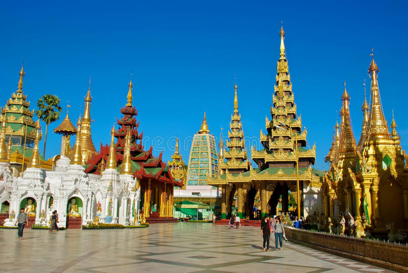 Shwedagon Pagode stockfotos