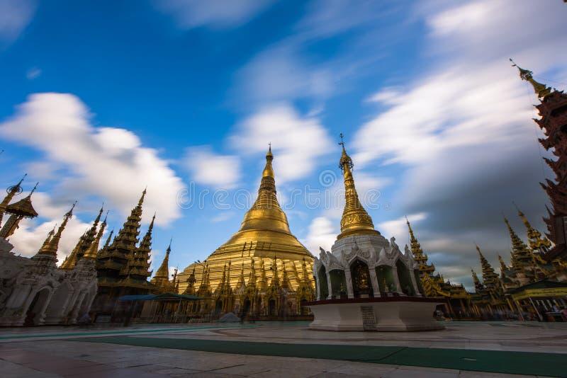 Shwedagon pagode-Yangon-Myanmar stock foto's