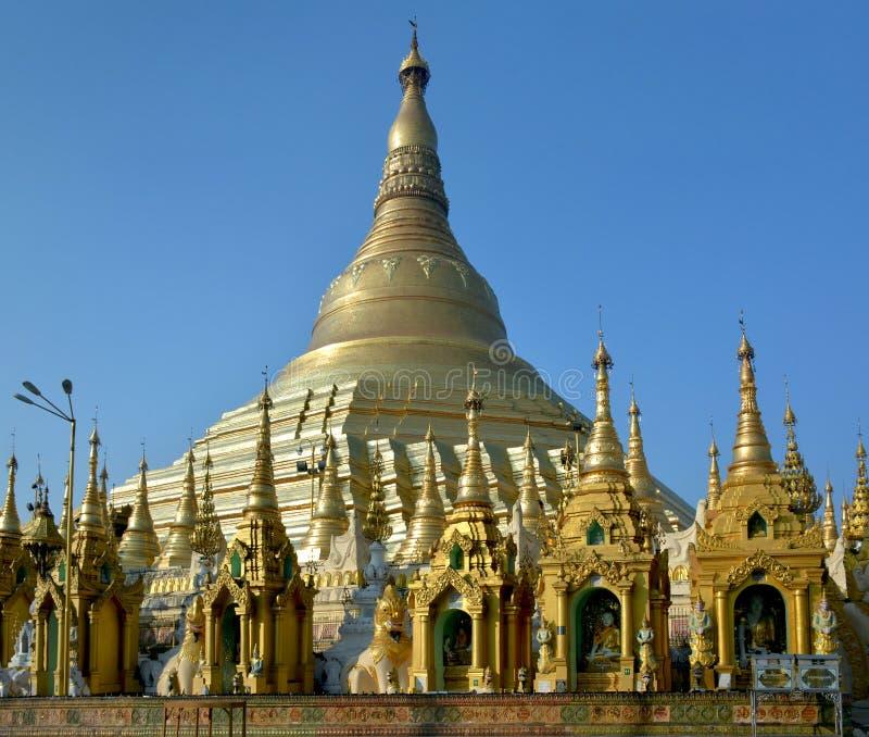 Shwedagon Pagodowy jaśnienie na słońcu myanmar Yangon fotografia royalty free