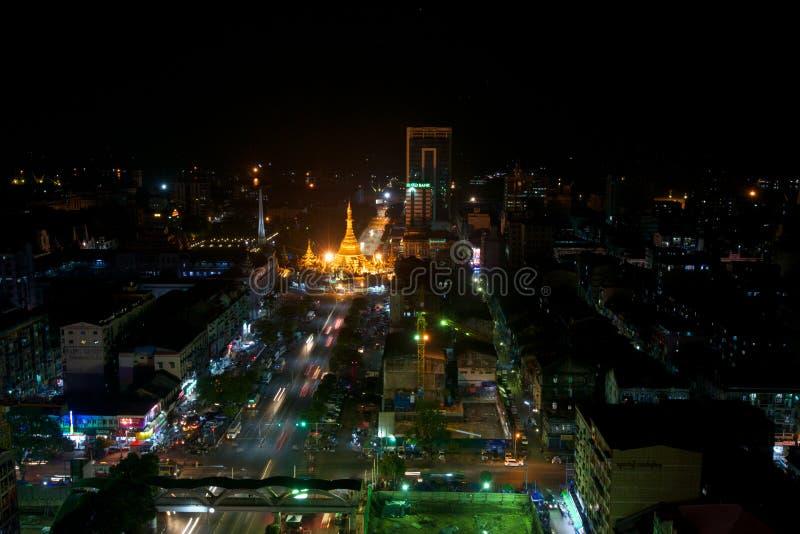 Shwedagon Paya на ноче стоковое фото