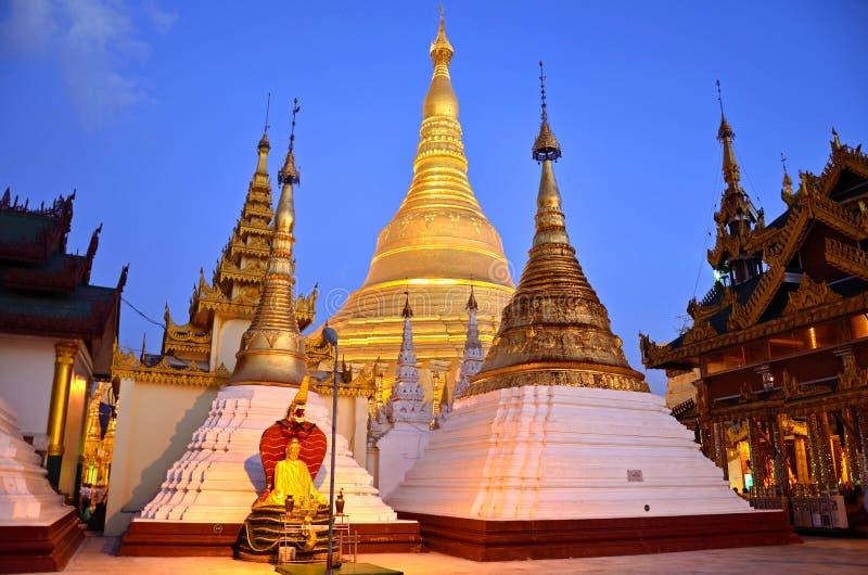 Shwedagon Paya stockbilder
