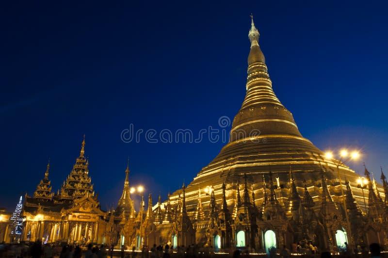 Shwedagon yangon myanmar празднества 25-ое февраля стоковое изображение