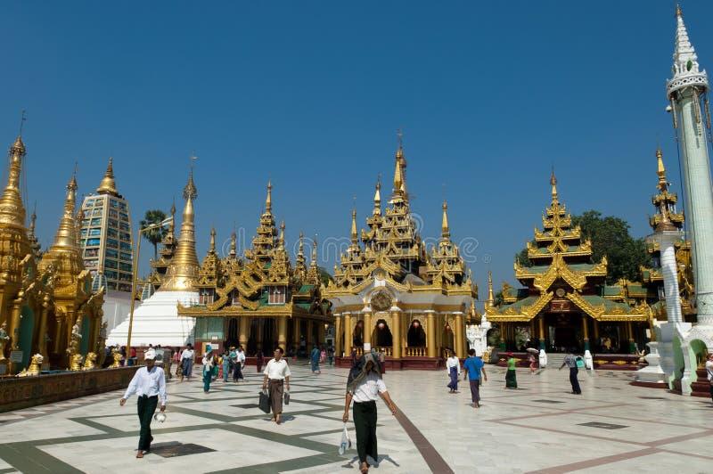 Shwedagon yangon myanmar празднества 25-ое февраля стоковая фотография rf