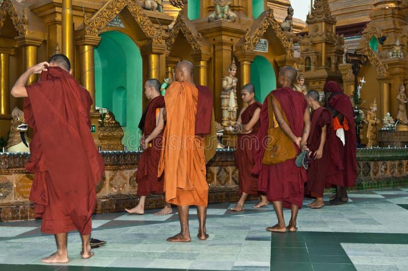 Shwedagon yangon myanmar празднества 25-ое февраля стоковые фото